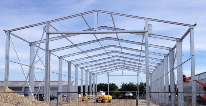 Hallen - Stahlkonstruktion